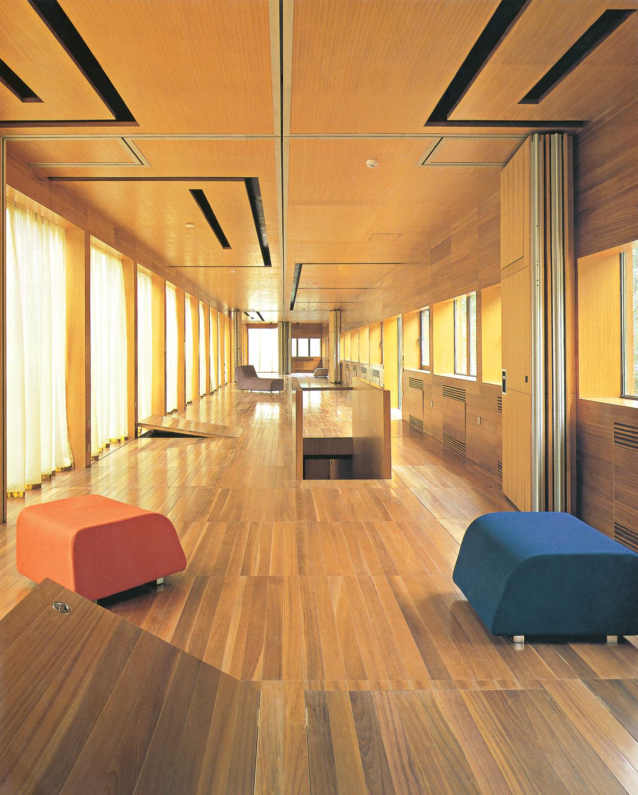 استودیو اِج دیزاین، خانهی سوییتکِیس؛ گرِیت ؤال، چین، 2002