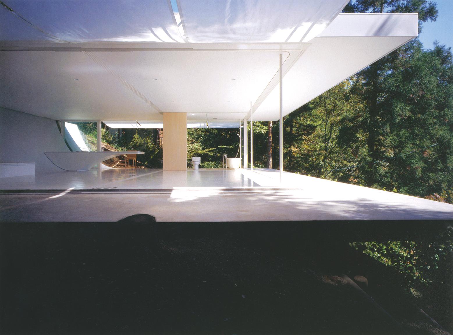 تصاویر این صفحه: گروه معماری شیگِرو بان، خانهی بدون دیوار؛ ناگانو، ژاپن، 1997