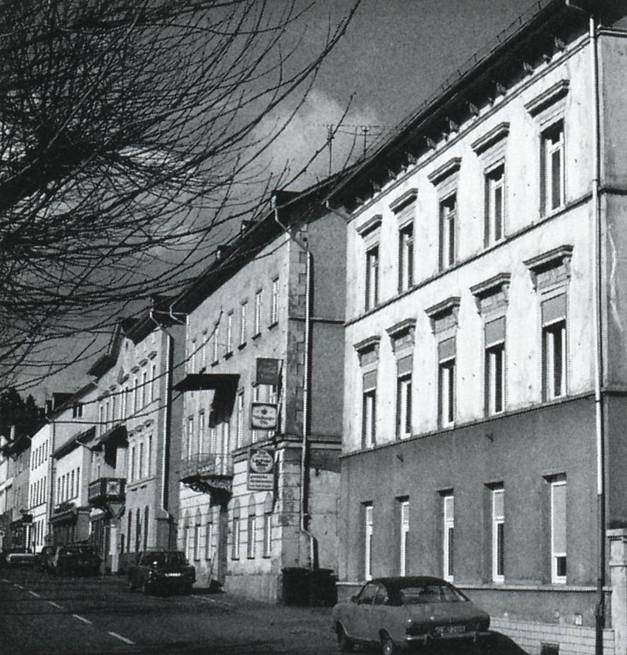 خانهای از خاک کوبیده در ؤایلبرگ آلمان، حدود سال 1830 میلادی