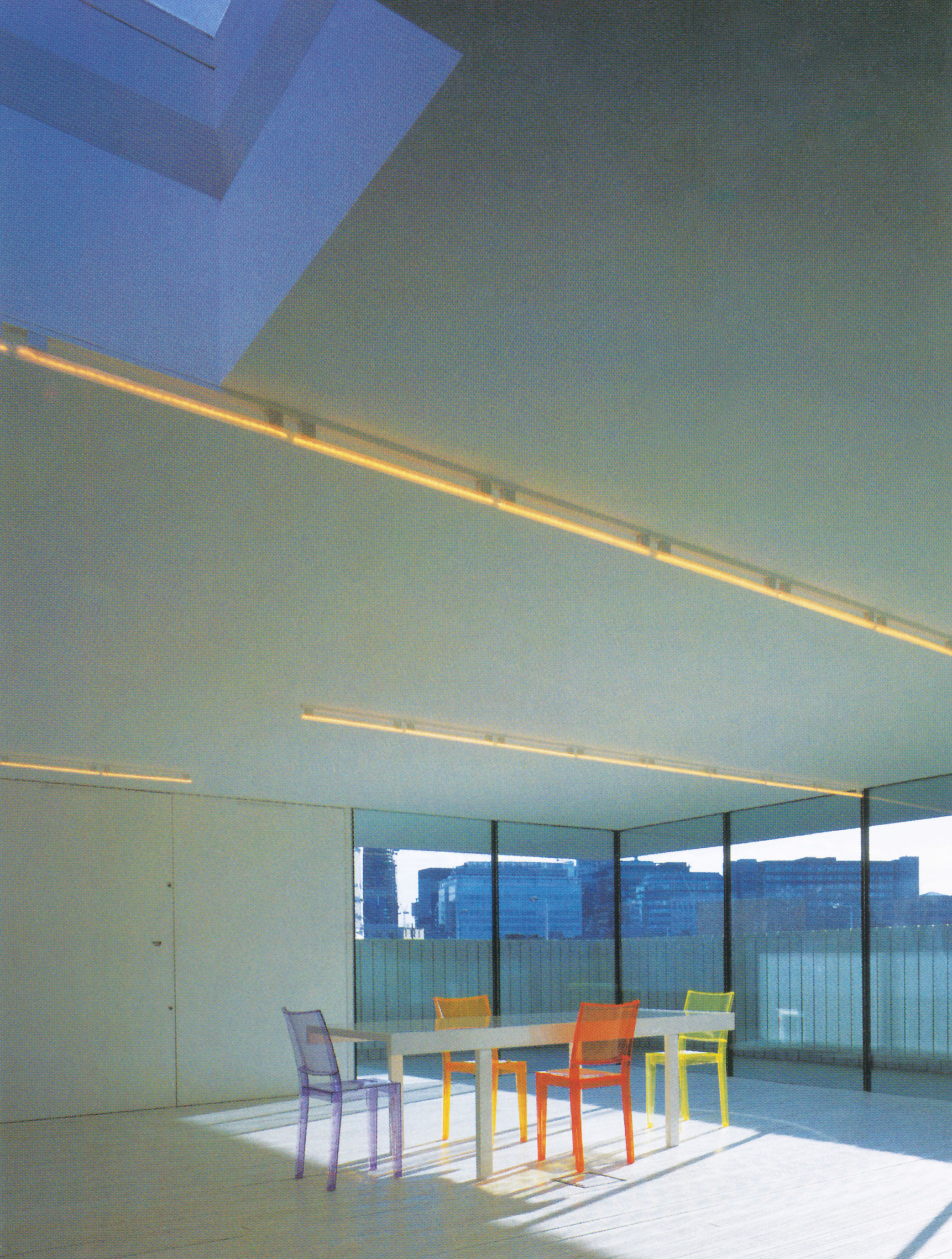 شرکت معماران آجایه، خانهی دِرتی؛ لندن، انگلیس، 2002