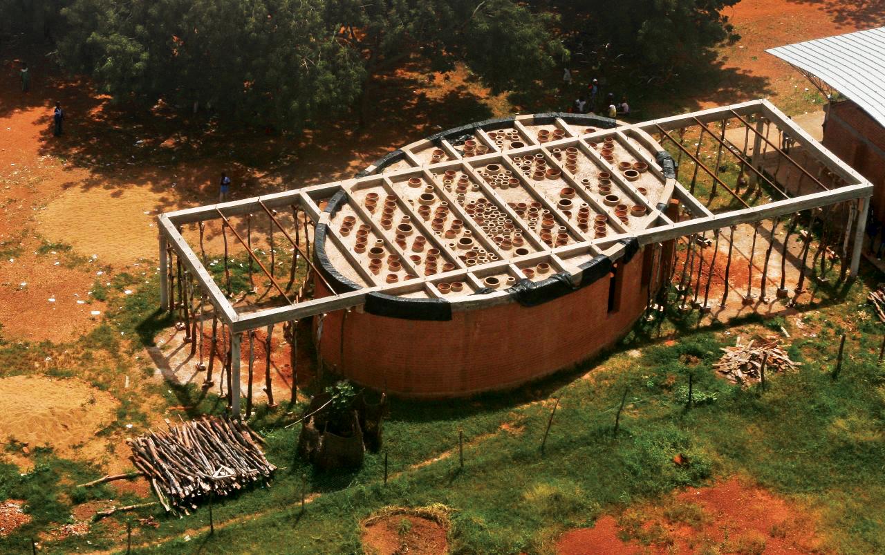 کتابخانه ی مدرسه ی گاندو در طرح گسترش مجموعه