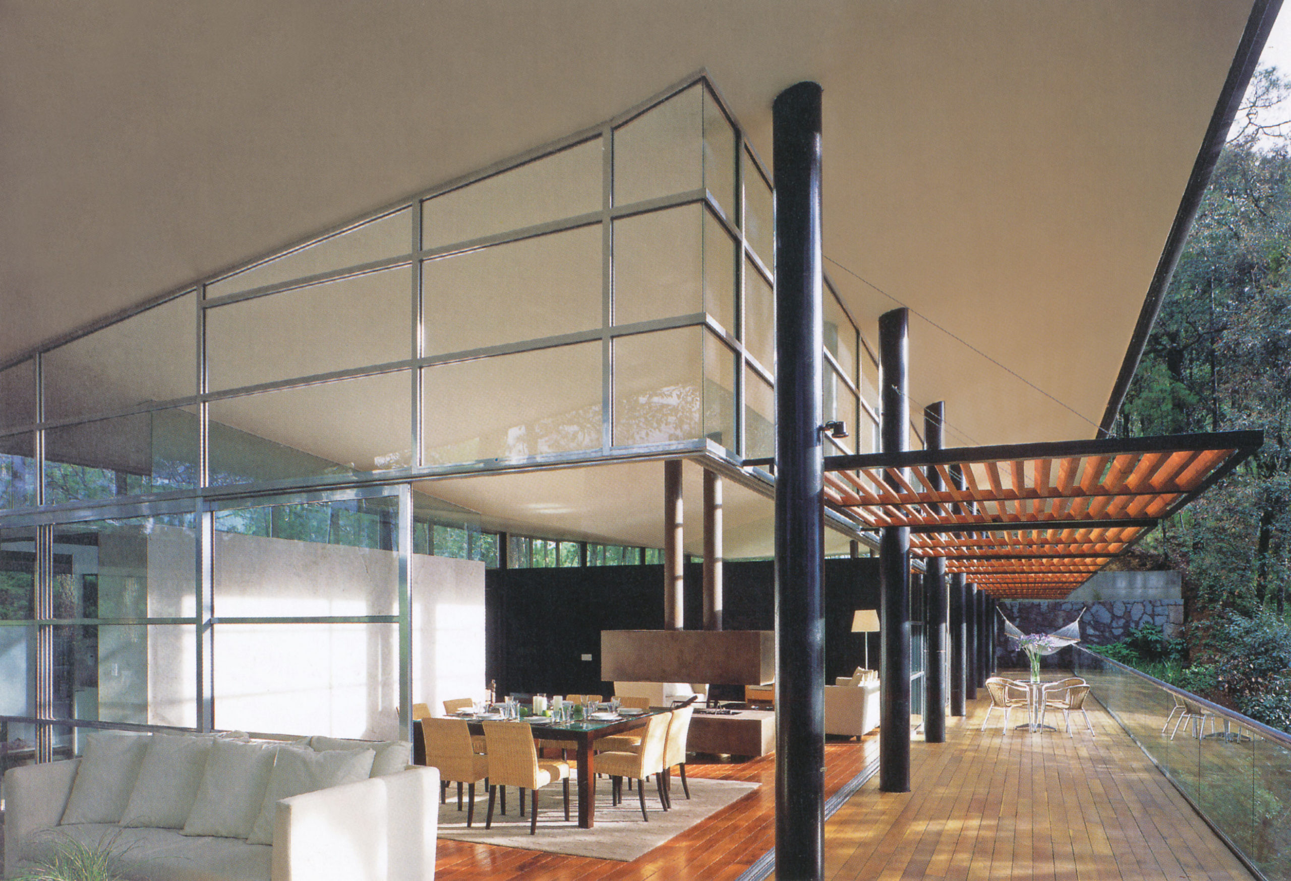 شرکت معماری جی.اِی، خانهی ایزار؛ واله دِل براوو، مکزیک، 2002